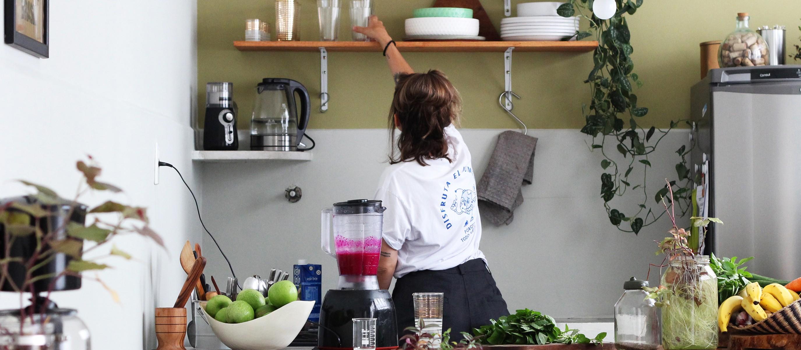 Histórias de Casa: tons verdes na cozinha da Steh